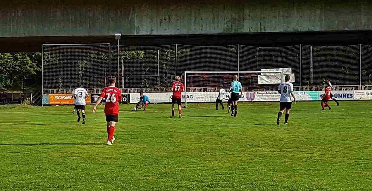 Zweite sehr bemüht aber chanchenlos. 0:8-Niederlage gegen Freier TuS Regensburg