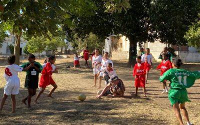 JFG Trikots wandern als Spende nach Südafrika.